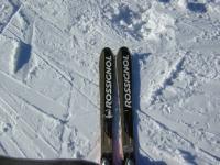 skis.jpg